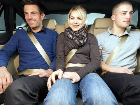 Cassazione - Passeggero senza cintura, ne risponde il conducente