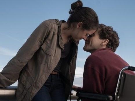 Stronger al Roma Film Festival 2017, Jake Gyllenhaal e Tatiana Maslany in una storia di coraggio (recensione)