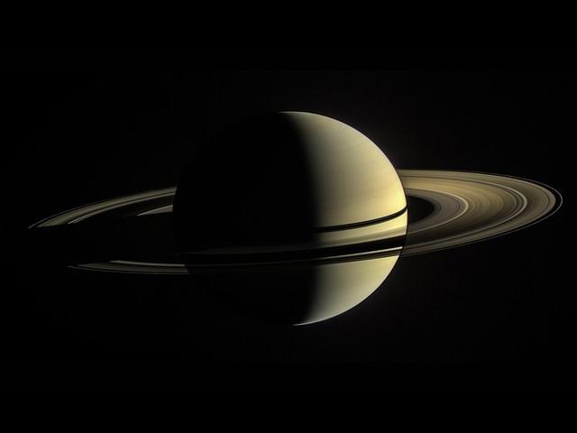 Gli anelli Saturno sono molto più giovani del pianeta
