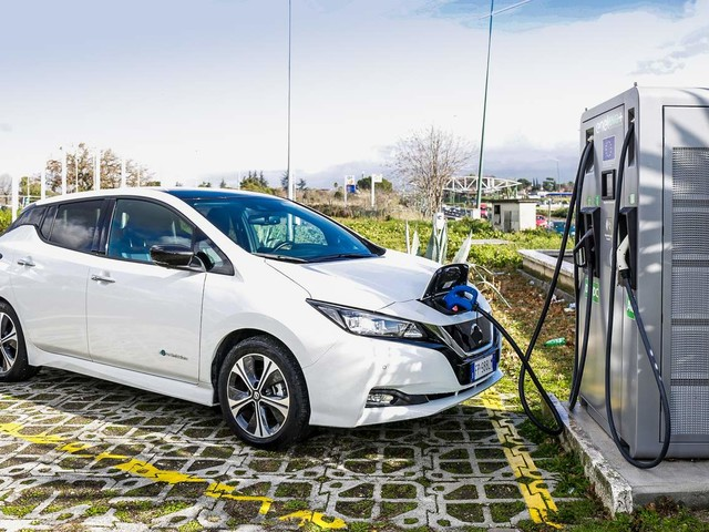 Auto elettriche: già pronte 130 colonnine EVA+
