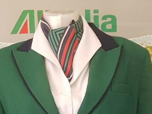 Tra nostalgiae moda: sulle piattaforme onlinela caccia ai cimeli di Alitalia