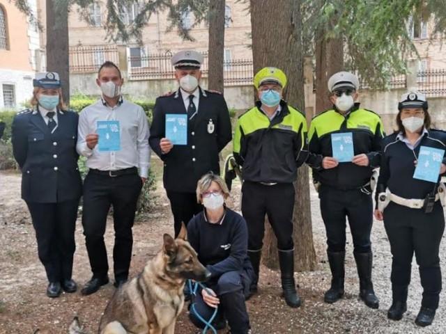 Macerata, scatta la seconda fase di 'Scuole Sicure': il cane 'Ila' guida i controlli dai parchi al terminal