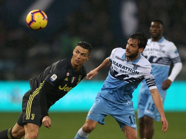 La Juventus gioca male ma vince in rimonta: Lazio ko 2-1 all'Olimpico