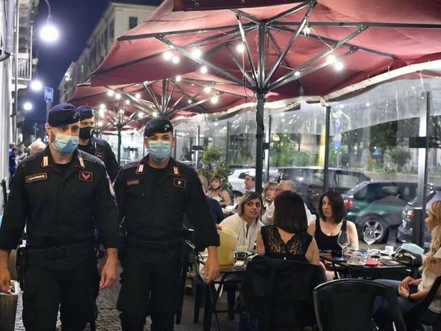 Pesaro: Misure anti-Covid: controlli intensificati in scuole, centri commerciali e luoghi della movida