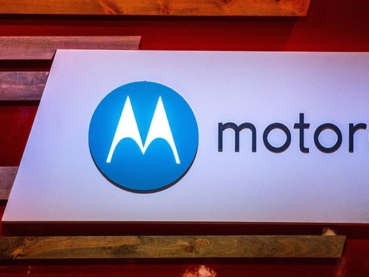 Moto X4: specifiche tecniche e render ufficiali