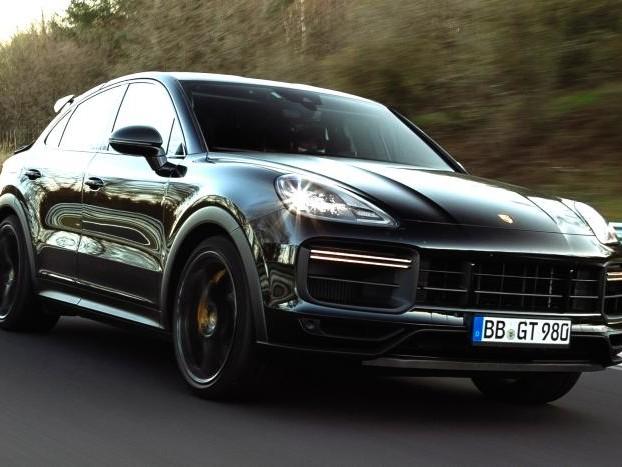 Guarda la prossima Porsche Turbo Coupé [E3] segnare un nuovo record per un SUV al Nürburgring