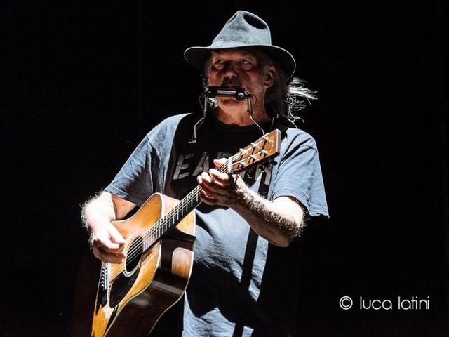 Neil Young è diventato cittadino americano (ed è pronto a votare)