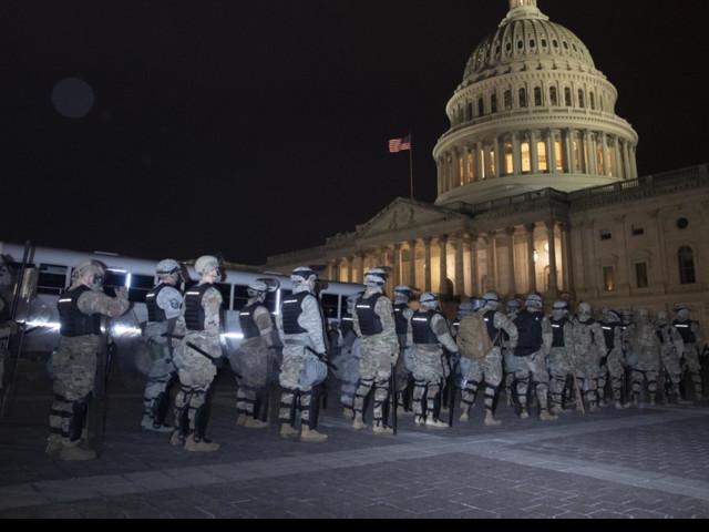 Usa, migliaia di sostenitori pro Trump fanno irruzione al Congresso: scontri con la polizia, una donna è morta   Dopo il caos ripartono i lavori