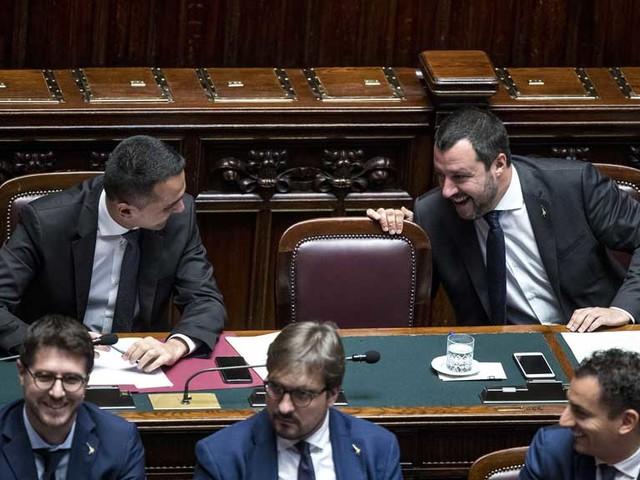 """Elezioni Abruzzo:Lega boom.Vince il Cdx. Flop 5S. Salvini:""""Governo,non cambia"""""""