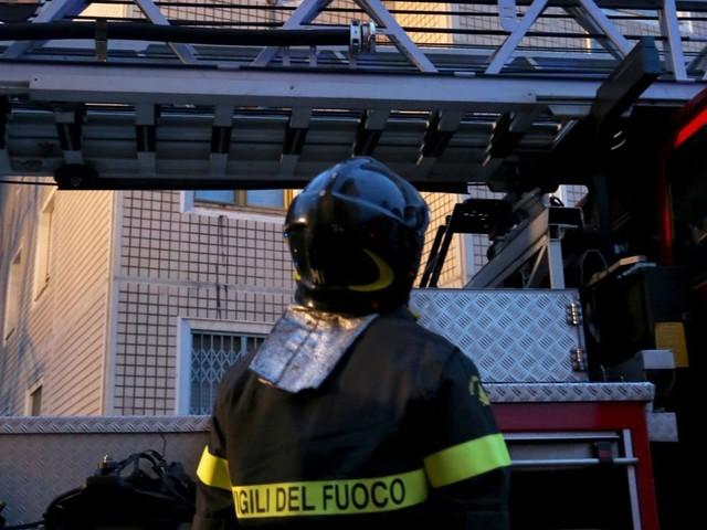 Esplode macelleria, coinvolti vigili del fuoco e polizia locale