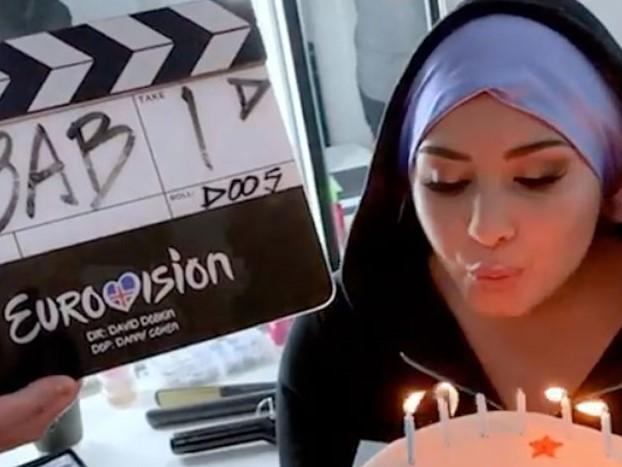 Dopo Pierce Brosnan e Dan Stevens anche Demi Lovato si unisce al cast del film Eurovision