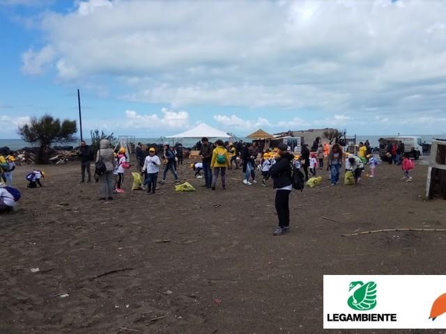 C'era una volta il mare. Beach litter 2018: su 93 spiagge monitorate una media di 968 rifiuti ogni 100 metri
