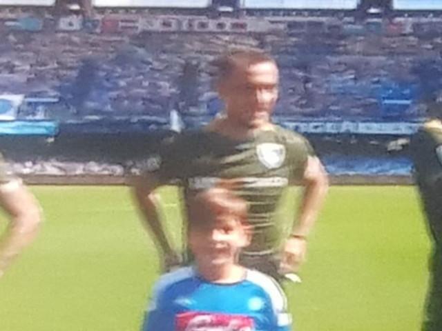 Brescia, Balotelli tenero papà: in campo con la figlia Pia
