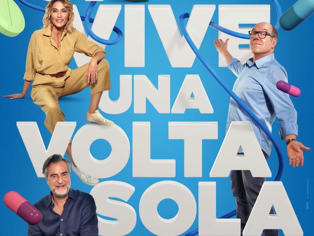 """Carlo Verdone, dopo il blocco per Covid la commedia """"Si vive una volta sola"""" arriva in sala il 26 novembre"""