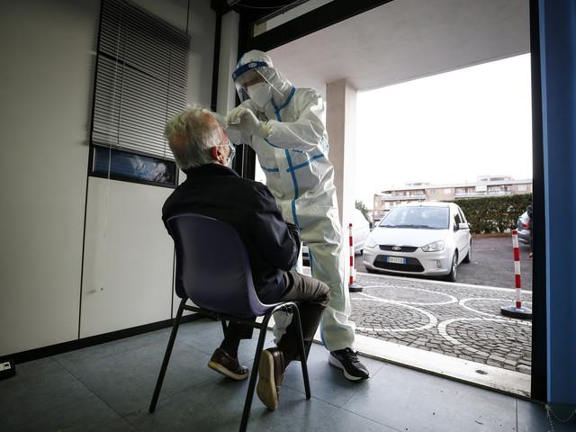 "Coronavirus, boom casi in Campania. De Luca: ""Zona rossa inevitabile"""