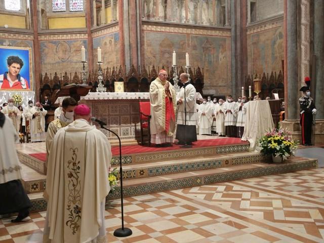 Beatificazione di Carlo Acutis, grande festa ad Assisi | Le foto