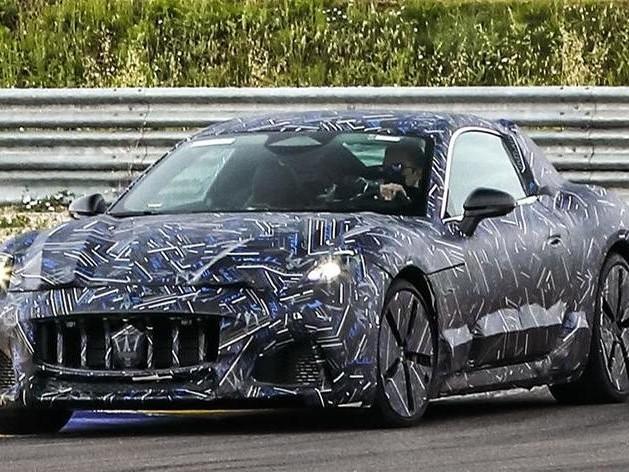 Maserati Granturismo: prime foto spia della nuova generazione