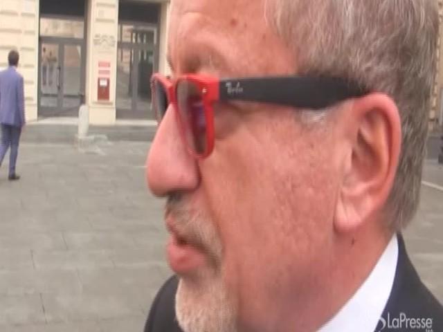 """Scissione Pd, Maroni: """"Non credo Renzi voglia rompere"""""""