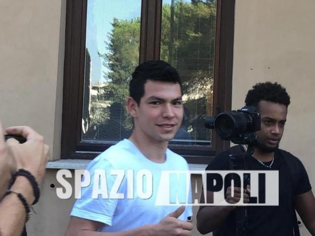 SKY – Lozano arrivato a Napoli, è in albergo in città! Possibile incontro con Ancelotti nelle prossime ore