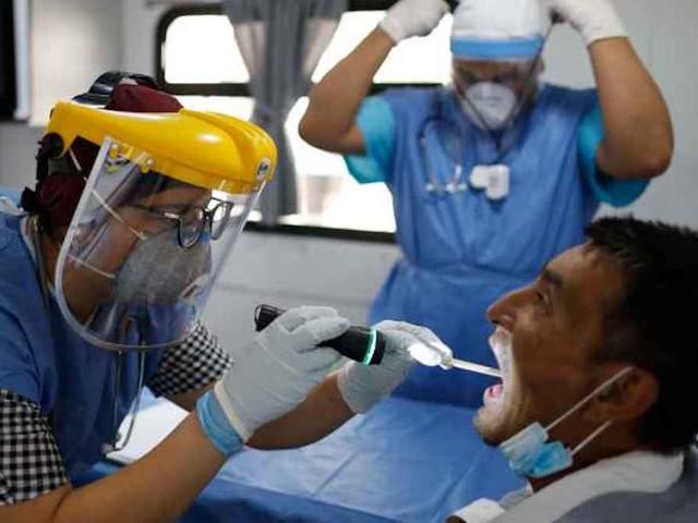 Misteriosa epidemia colpisce la cittadina. Finora 30 persone con febbre, crisi epilettiche e vertigini