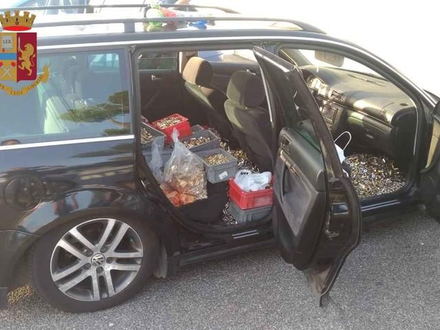 Roma, in autostrada con 11 quintali di ottone rubato. 3 persone arrestate