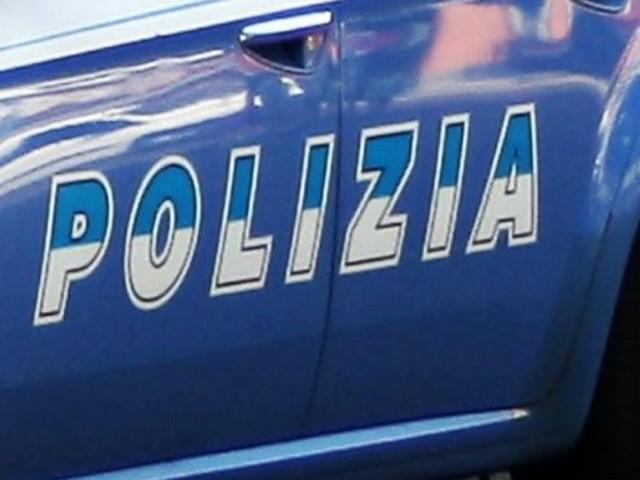 """Furti in casa a Milano, presa la """"banda del sassolino"""": auto di lusso e gioielli, 4 arresti nel campo rom"""