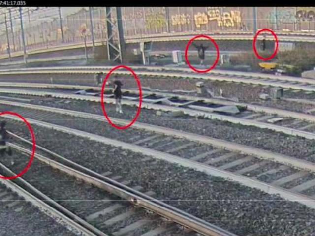 Bologna, follia sui binari: ragazzini sfidano treni ad Alta Velocità