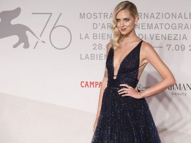'Mi sa tanto di bufala': hater contro Chiara Ferragni, ma la risposta della fashion blogger zittisce tutti