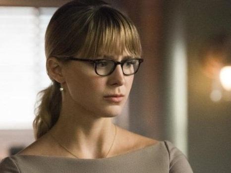 Supergirl 5 si lascia trascinare dagli effetti della tecnologia e la guerra tra Lena e Kara