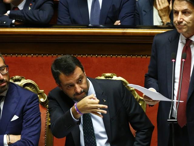 Salvini si gioca il jolly: l'ultima offerta a Di Maio manda i tilt i giallorossi
