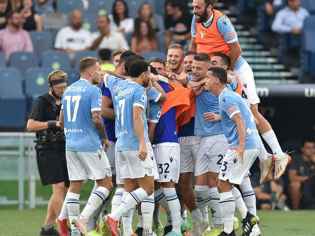Il Napoli torna in testa, alla Lazio un derby-spettacolo