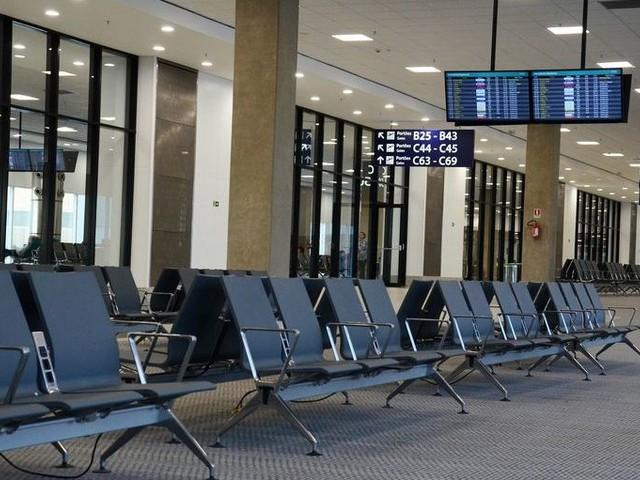 Tutti a terra: sciopero generale del trasporto aereo