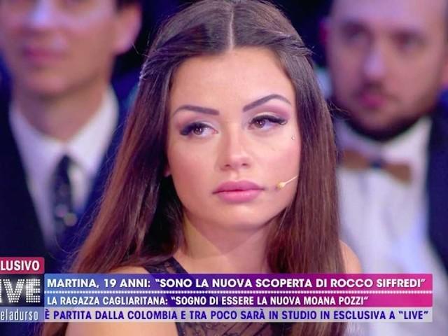 Martina Smeraldi: l'errore di Live Non è la d'Urso fa arrabbiare Max Felicitas (VIDEO)