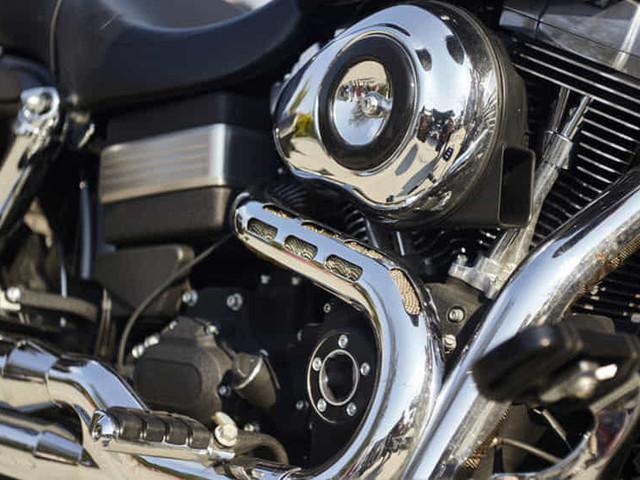 Come pulire e rinnovare le cromature di auto e moto