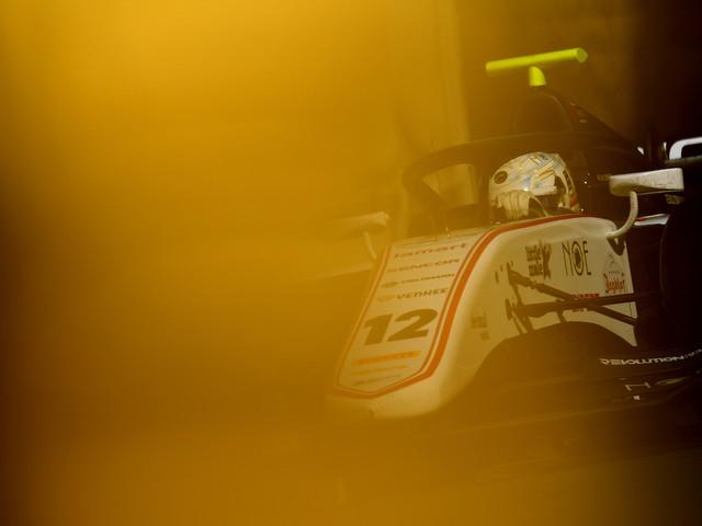 Il pilota di Formula 2 Juan Manuel Correa è in un coma indotto dopo l'incidente della settimana scorsa a Spa, in Belgio