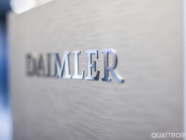 Gruppo Daimler - Tagli a manager e costi per affrontare la svolta elettrica