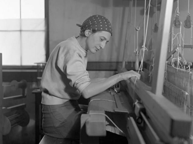 Verso i 100 anni di Bauhaus: Anni Albers alla Tate Modern nella prima grande retrospettiva in UK