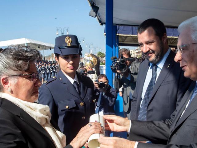 """Migranti, per Salvini i porti rimangono chiusi. Premier maltese Muscat: """"Non creerò precedenti"""""""
