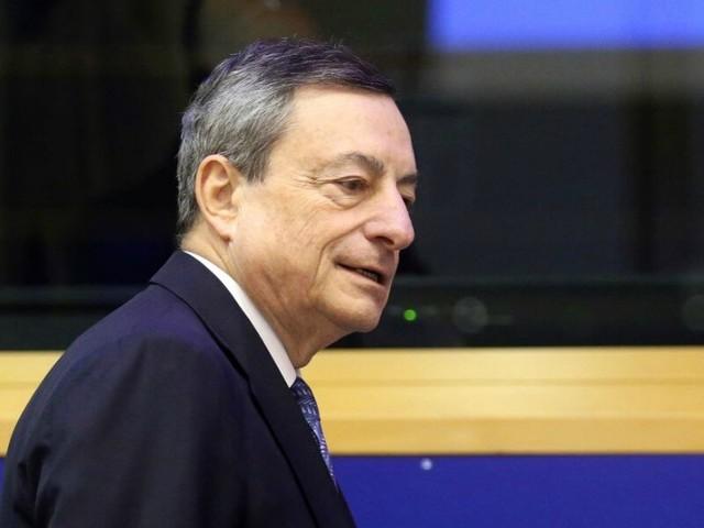 FINANZA E POLITICA/ L'asso di Draghi non basta a salvarci dalla crisi