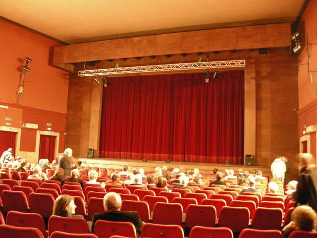 Il Teatro Puccini diventa proprieta' del Comune