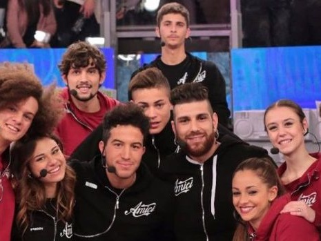 Al via la sfida a squadre di Amici di Maria De Filippi con il televoto: ecco chi ha vinto