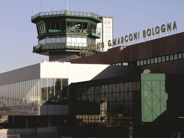 Aeroporto Guglielmo Marconi : Aeroporto guglielmo marconi di bologna livio fenati