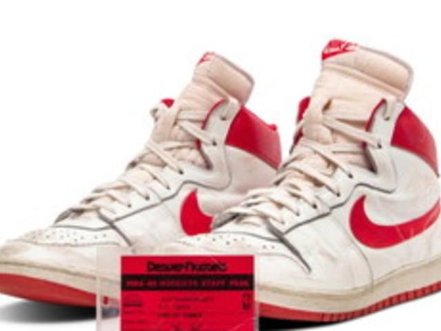 Michael Jordan da record, le sue sneaker all'asta per 1,47 milioni