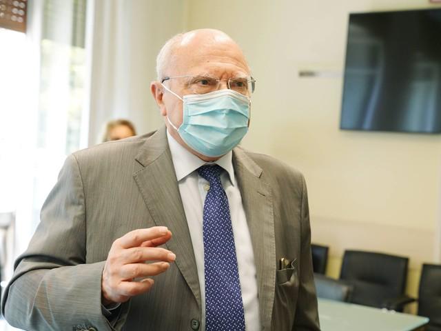 """Terza dose, Galli: """"Per chi ha risposto bene al vaccino, non è indispensabile"""""""