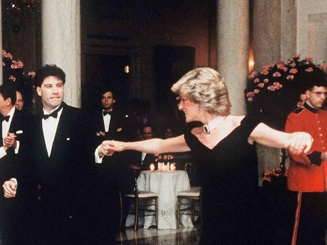All'asta l'abito di Lady Diana indossato per ballare con John Travolta