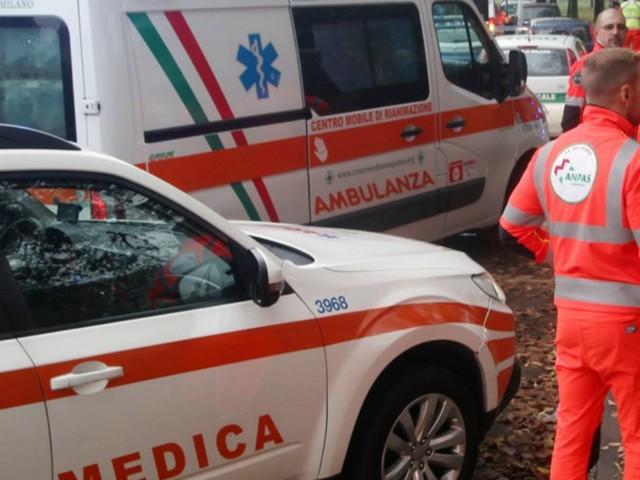 Milano, spruzzano spray al peperoncino nel bagno della scuola: tre ragazzini in ospedale