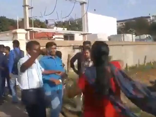 India, Dinesh cerca la terza moglie ma le altre due lo aggrediscono