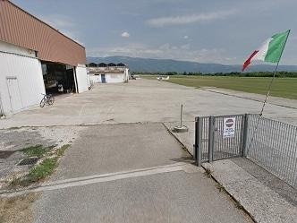 Vicenza: due paracadutisti si 'agganciano' in volo, un morto e un ferito
