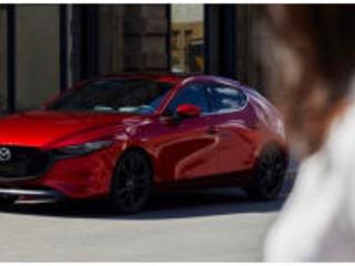 LA Auto Show: il debutto di Mazda 3
