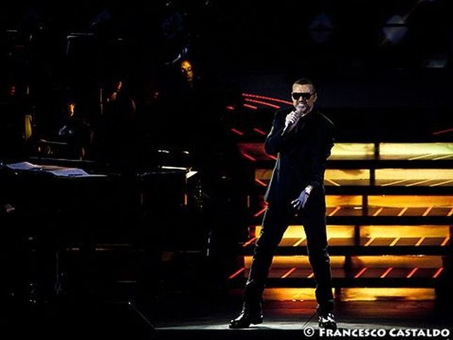 George Michael, l'omaggio dal vivo di Adam Lambert: guarda il video della cover di 'Faith'